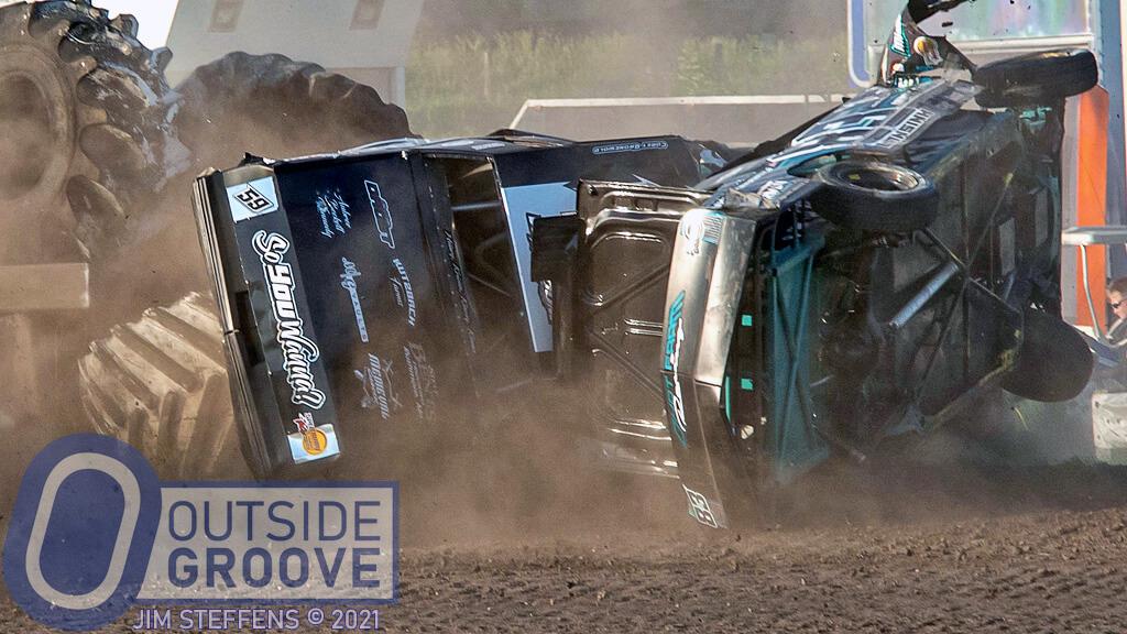 Corey Gronewold & Kelvan Lansink: Rough Wreck